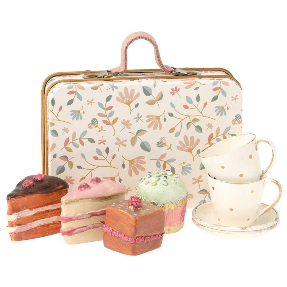 Maileg Merle kuffert med kager og kopper