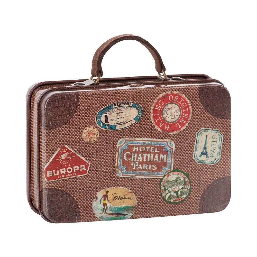 maileg brun metal kuffert med mærker