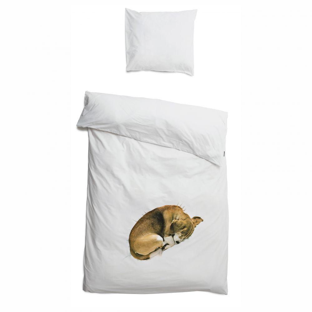 sengetøj med sovende hund fra snurk